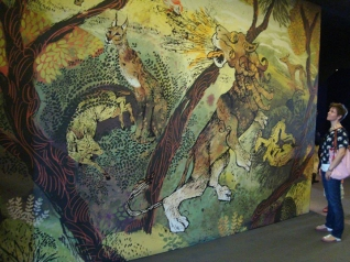 Four hallway illustrations were enlarged to 8 x 5 meters.